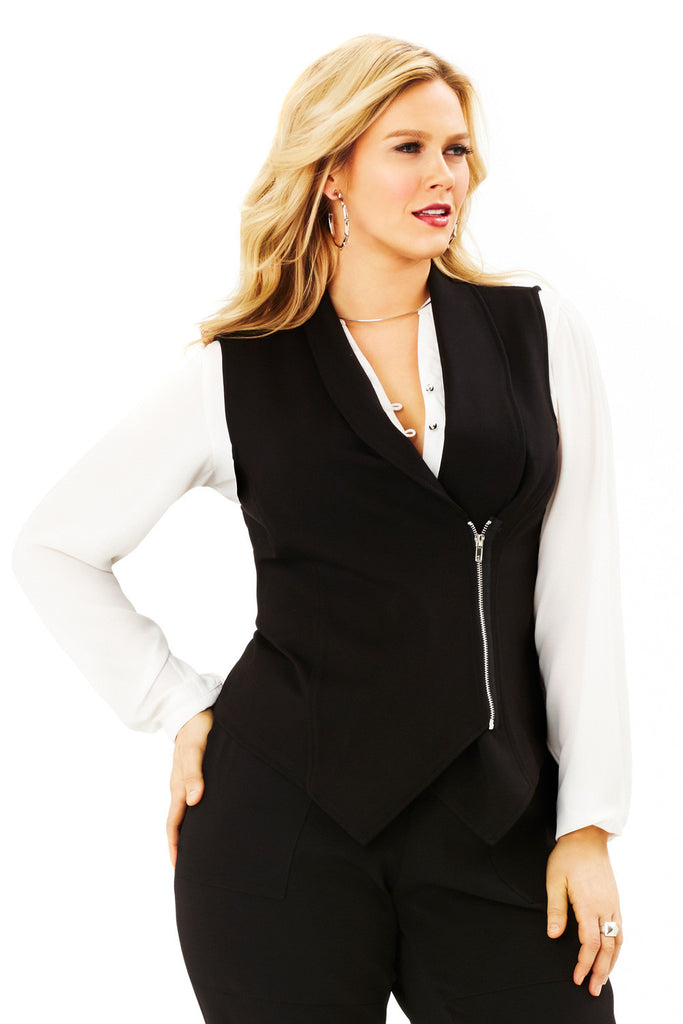 PLUS SIZE FLY AWAY VEST IN BLACK