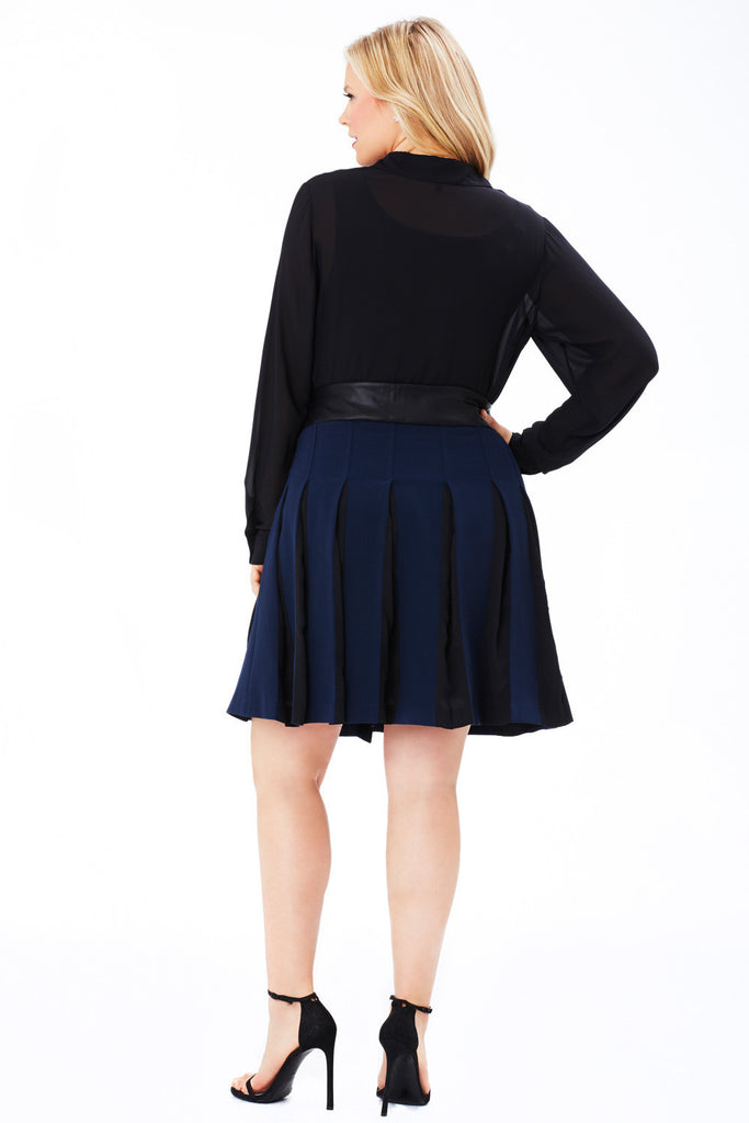 PLUS SIZE NAVY BOX PLEAT SKIRT