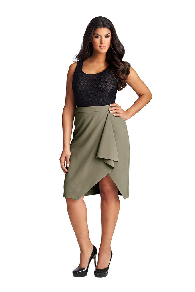 PLUS SIZE GREEN DRAPE SKIRT