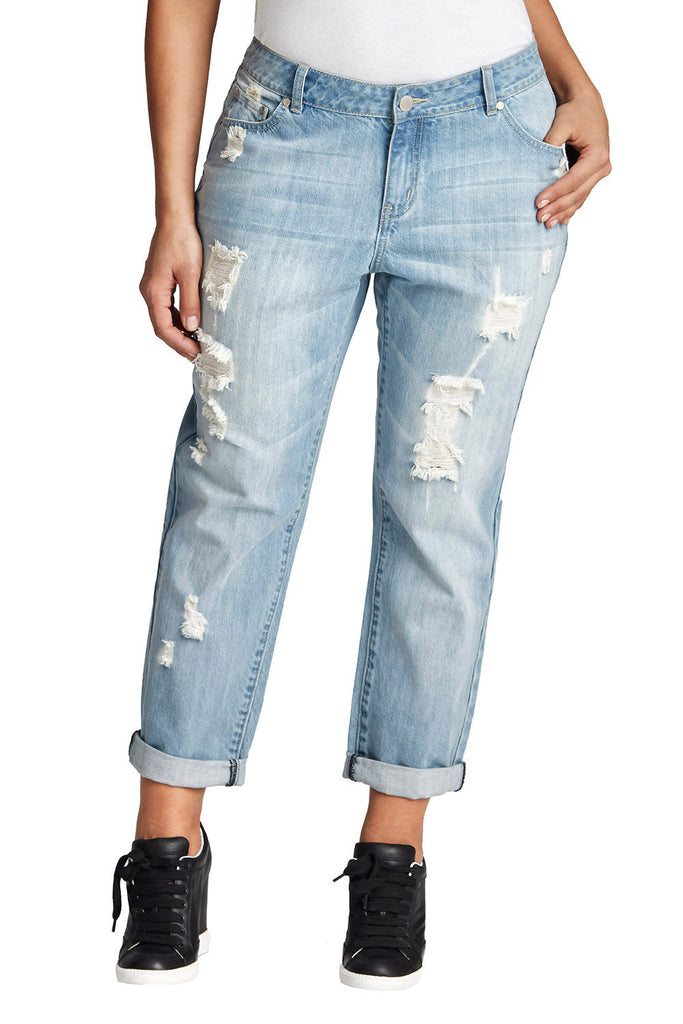 PLUS SIZE LIGHT BLUE BOYFRIEND JEAN