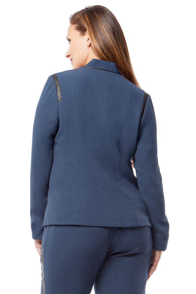 SLIMMING PLUS SIZE BLAZER IN NAVY