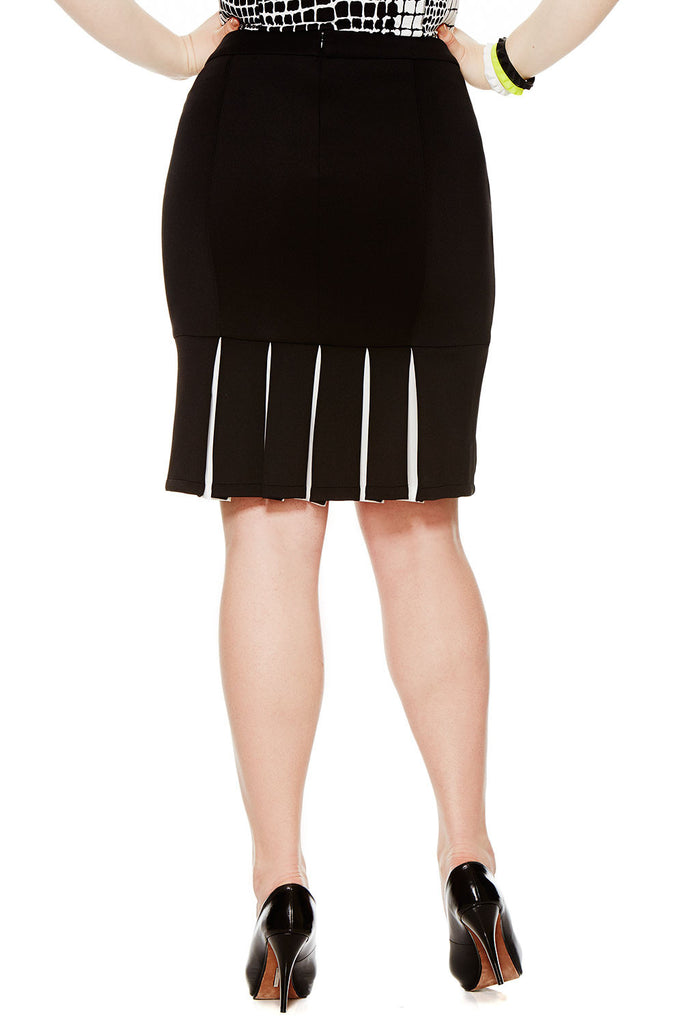 PLUS SIZE SCUBA PLEATED SKIRT
