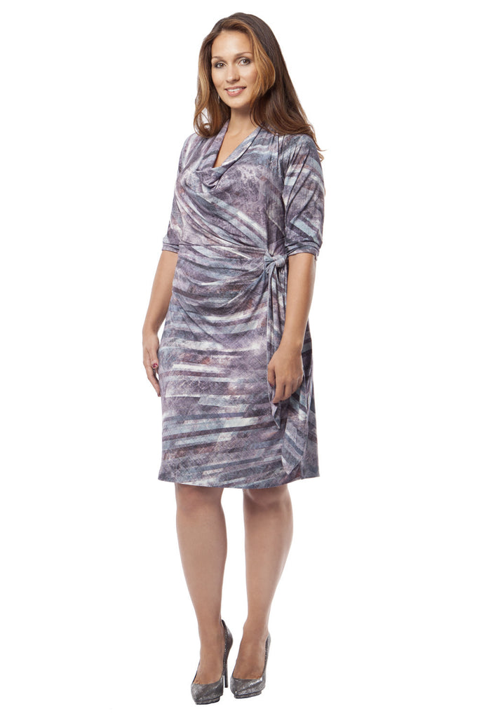 SLIMMING PLUS SIZE WRAP DRESS IN DIAGONAL PRINT
