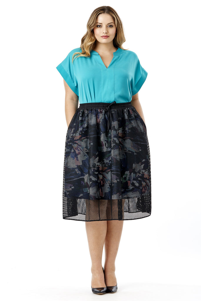 Trendy Plus Size Designer Clothing - Dresses, Tops, Jackets, Pants...