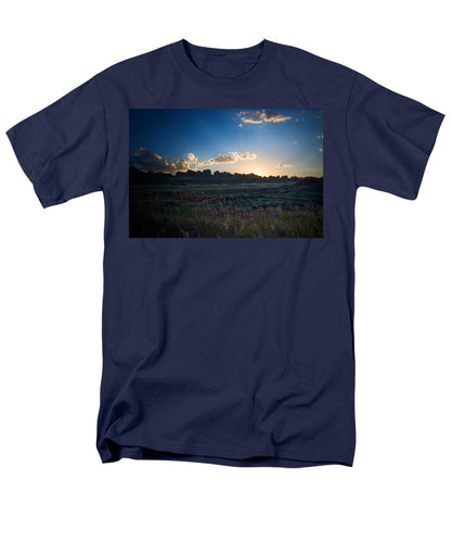Devil's Backbone #11 - Men's T-Shirt  (Regular Fit)