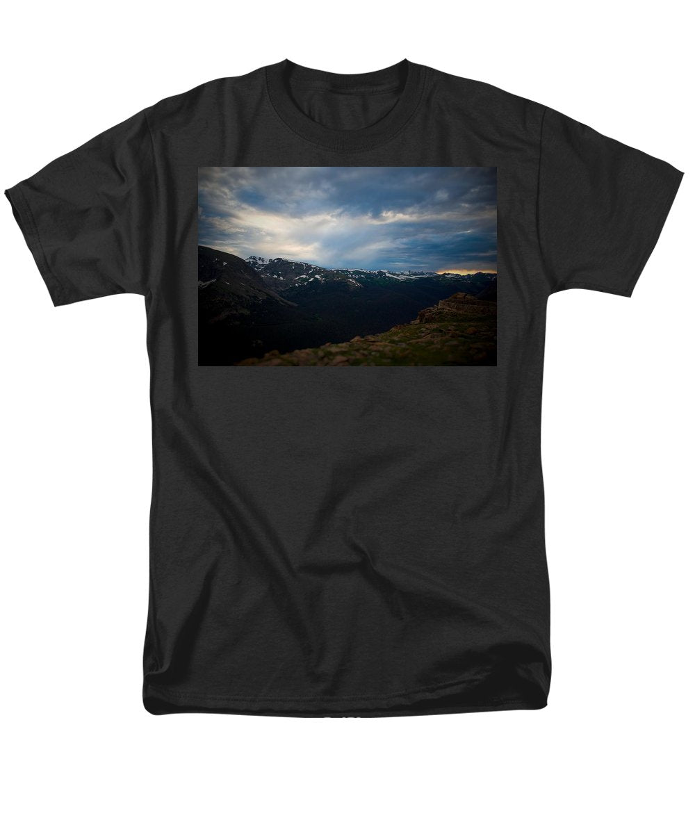 Trail Ridge Road #2 - Men's T-Shirt  (Regular Fit)