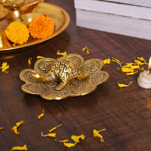 Metal Feng Shui Tortoise On Plate turtle Showpiece - Golden Tortoise for Good Luck Money - Best Gift for Career and Good Luck Vastu - Gift for Girlfriend/ Her/ Him/ Mom/ Dad - CRAFT WORLD INDIA