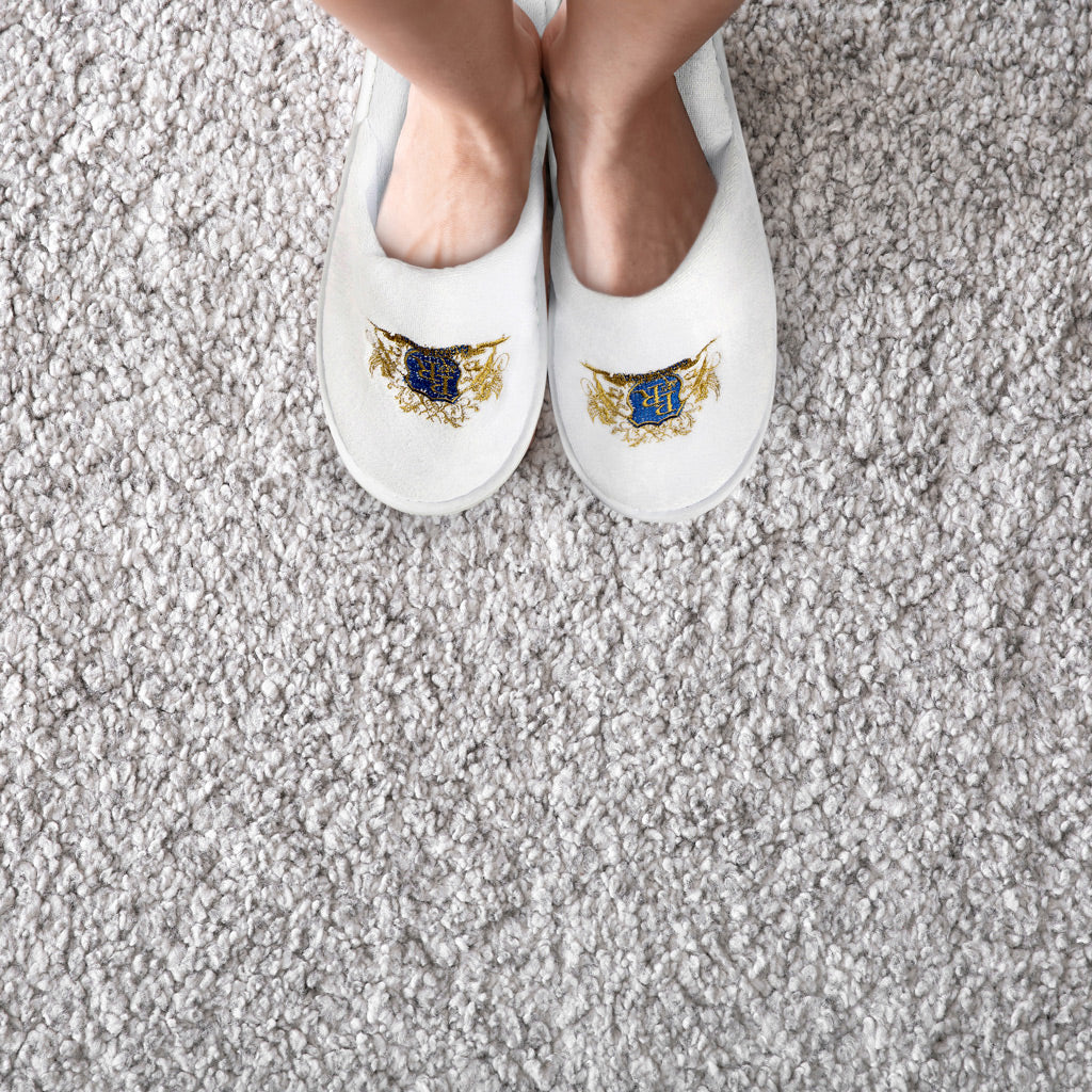Baroque Royal - Disposable Slippers - Velour - Lifestyle 2