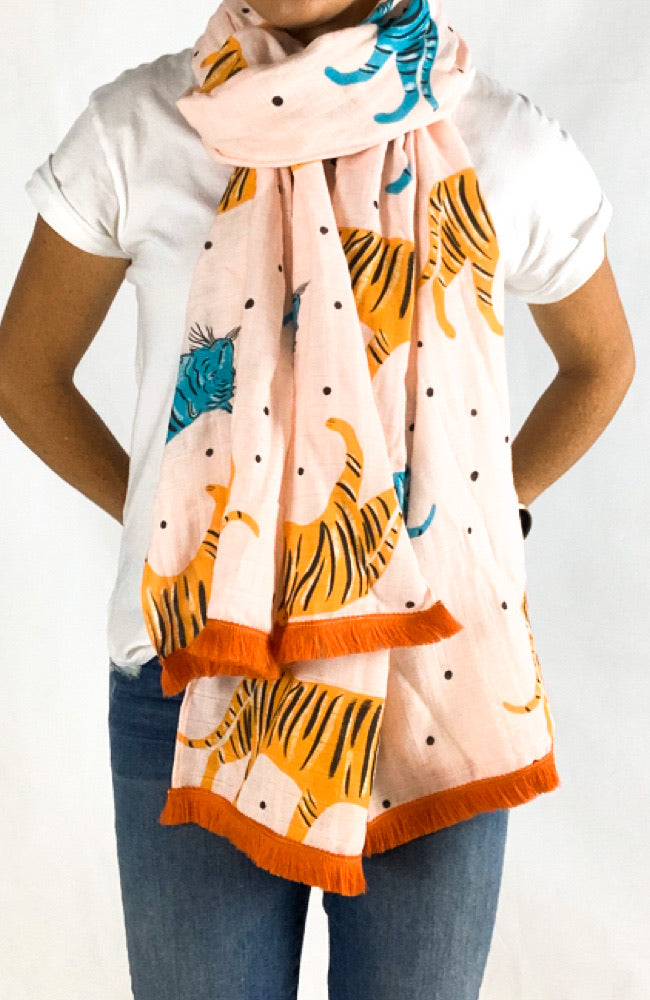 The Good Scarf in Tigers