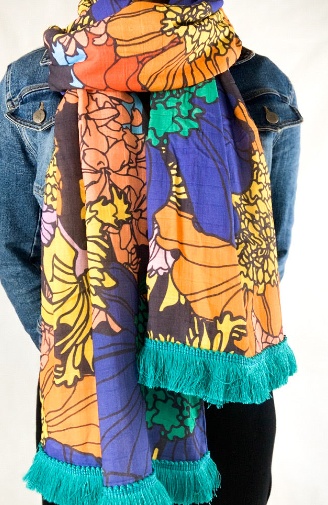 The Good Scarf in Midnight Garden