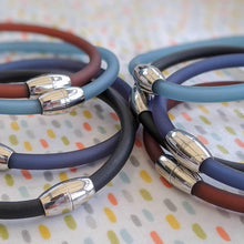 Load image into Gallery viewer, Plain Loop Bracelets