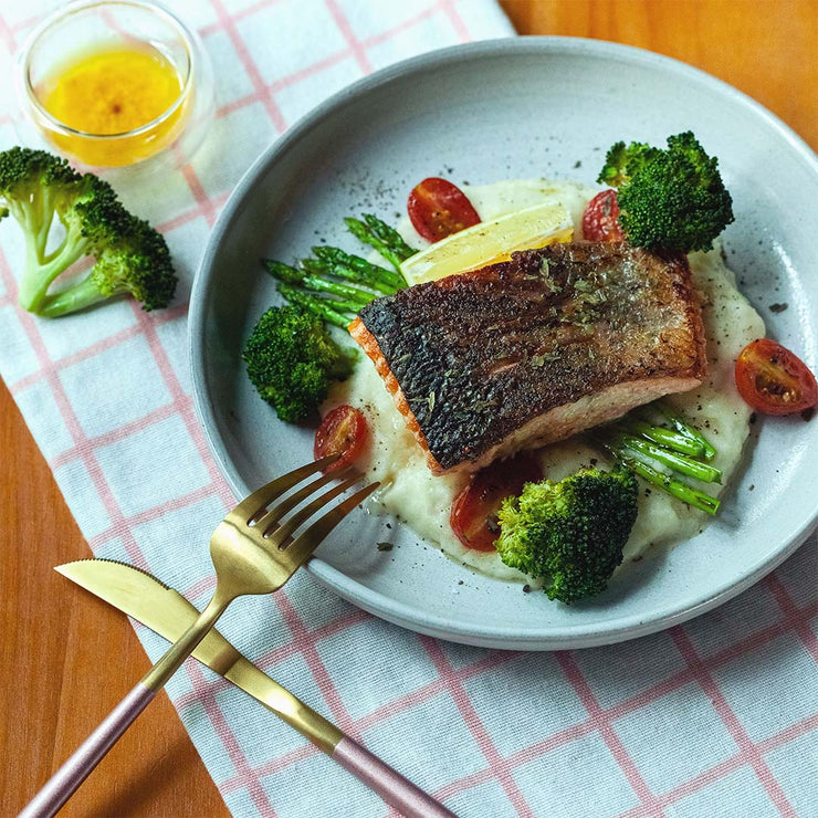 Tue, Oct 29 - Pan Seared Salmon With Truffle Mash Potato And Asparagus - Living Menu
