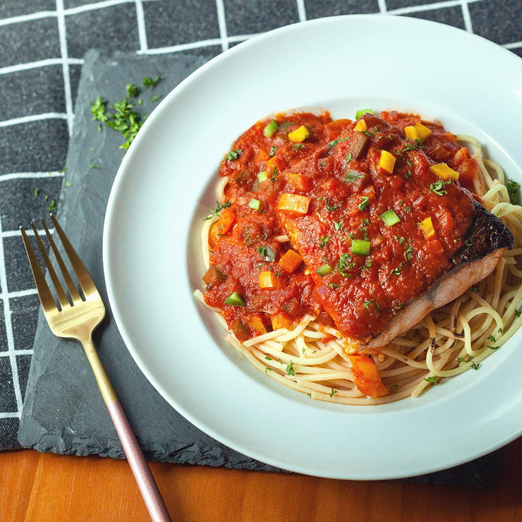 Wed, Oct 2 - Salmon In Spicy Tomato Sauce Served With Pasta - Living Menu