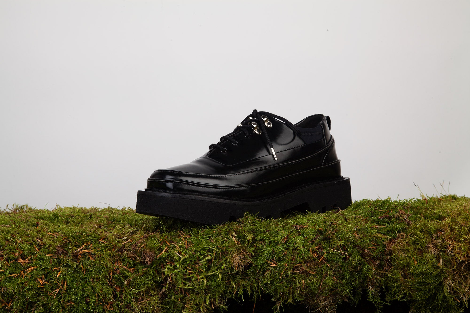 OLOV Multi-layered derbies - BLACK patent