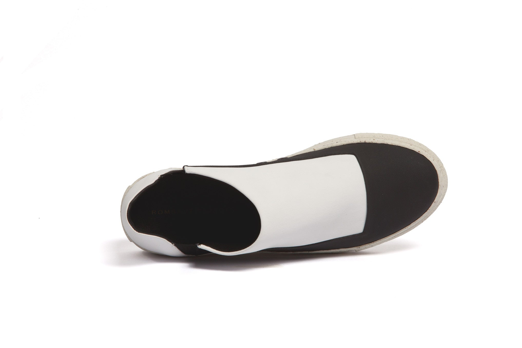 slip-on BLACK & WHITE