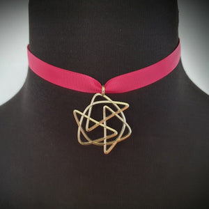 Knot pendant Jive on neck choker