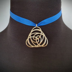 Knot pendant Twist on neck choker