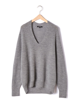 Open image in slideshow, WOOL V-NECK PULLOVER