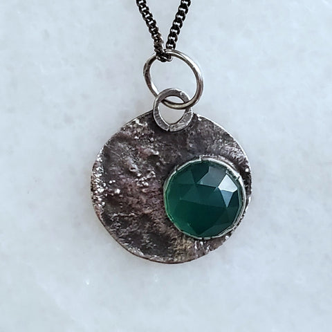 green onyx and reticulated silver pendant