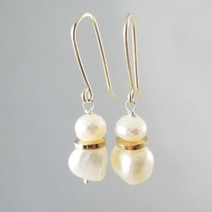 Roujk Pearl Earrings- Round