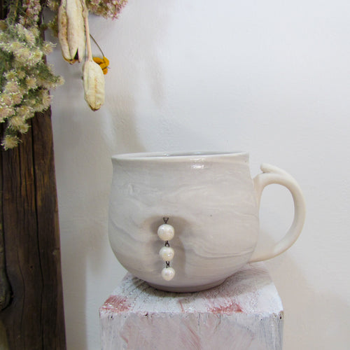 String of Pearls Charm Mug