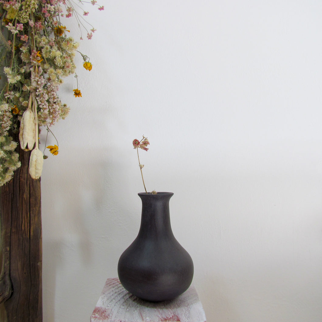 Burnished Black Budvase