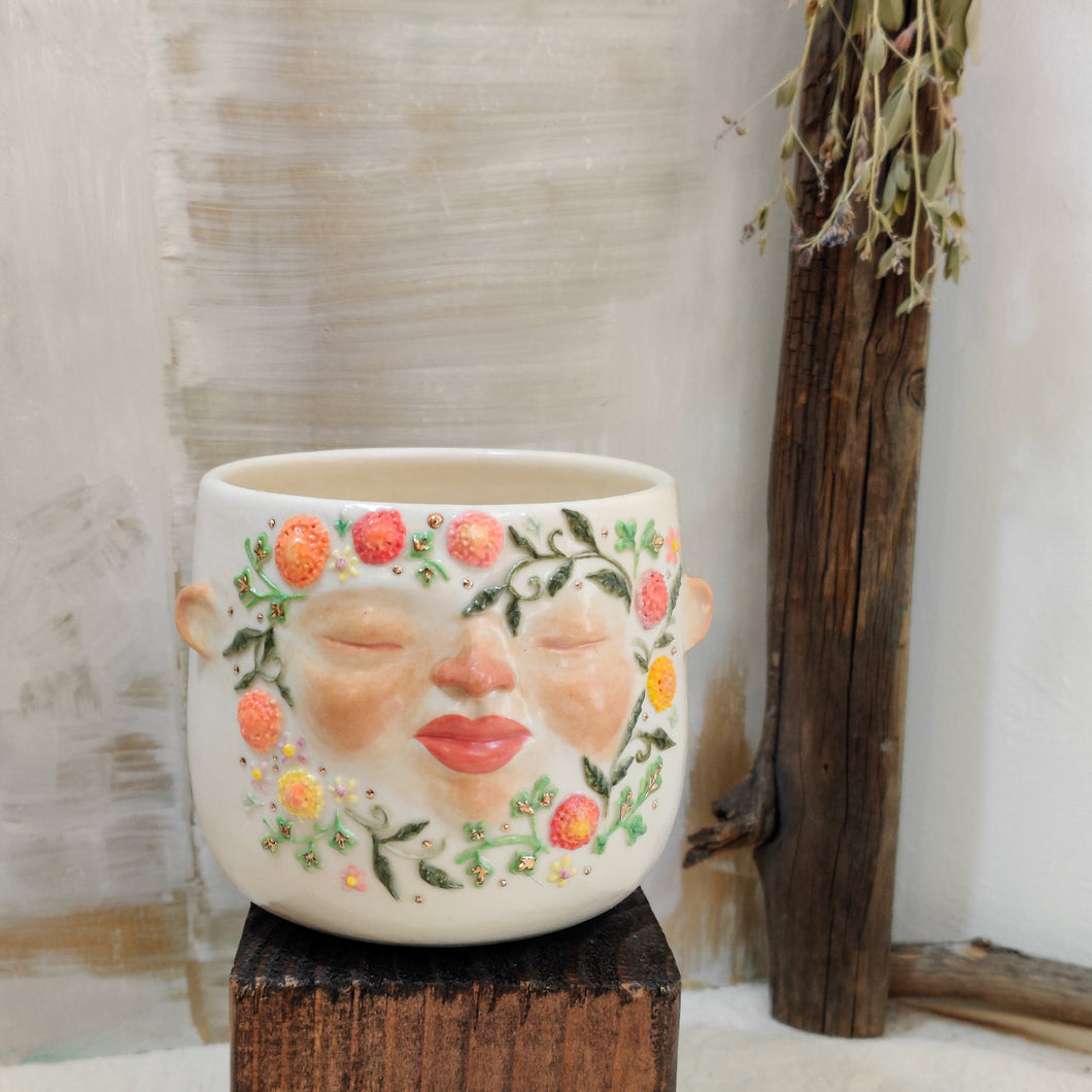 Floral Wreath Face Pot