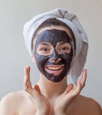 Charcoal face mask to remove black heads