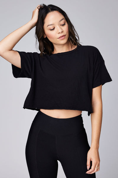 Cropped Year Tee Black