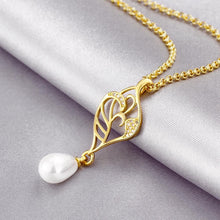 Load image into Gallery viewer, Freshwater Pearl Swarovski Curved Pendant Necklace in 14K Gold Plating