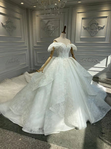Vintage off shoulder lace appliqués ball gown wedding dress 2020