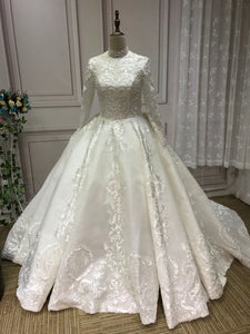 Vintage long sleeves lace appliqués glitter sparkling ball gown Muslim wedding dress 2020