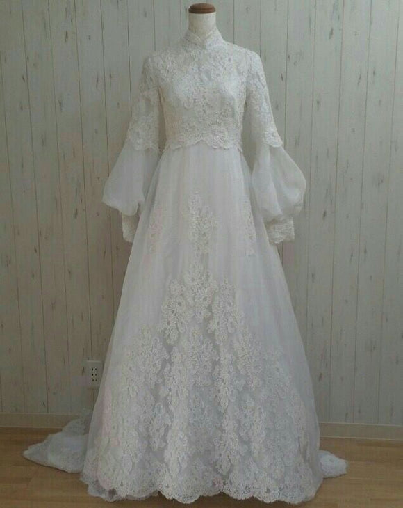 Muslim long sleeves pearls beaded lace wedding dress