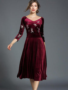 Chic O-Neck Long Sleeve Pleated Velour Maxi Dress