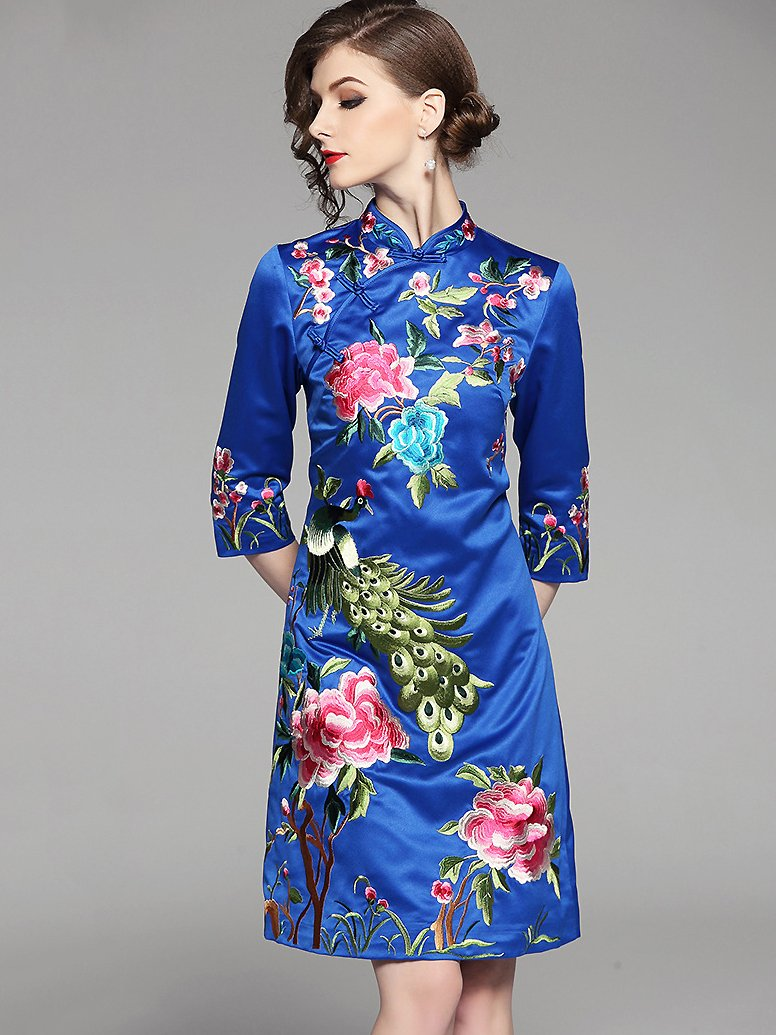 Ethnic Stand Collar Embroidery Slim Cheongsam Dress