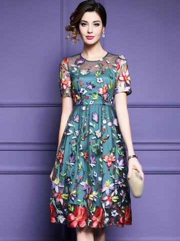 Elegant Floral Embroidery O-Neck Short Sleeve Skater Dress