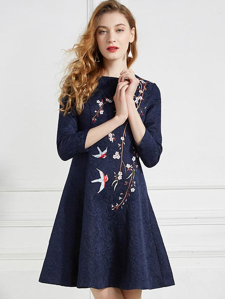 Chic Embroidery Slimming O-Neck Midi Fit & Flare Dres