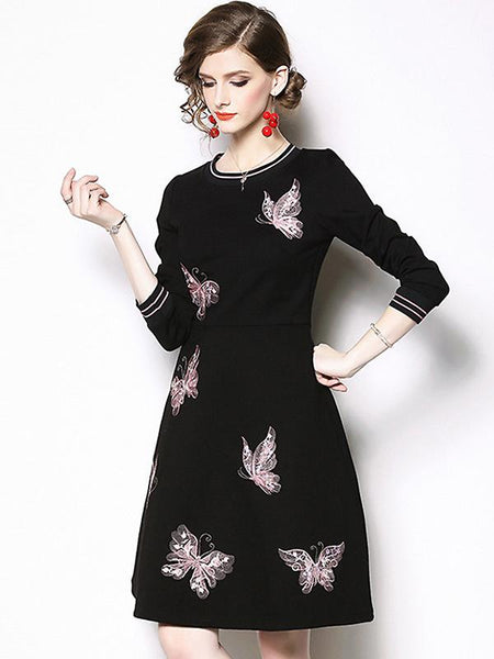 Casual Embroidery Pure Color O-Neck Long Sleeve A-Line Dress
