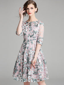 Chic Lace Embroidery O-Neck Half Sleeve Fit & Flare Dress