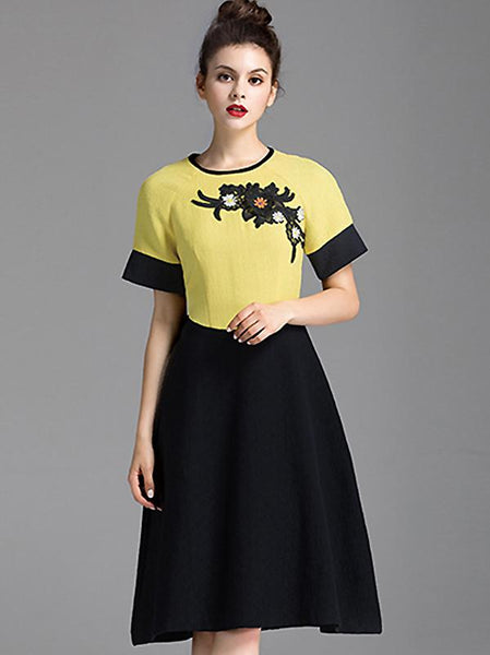 Embroidery Hit Color O-Neck Short Sleeve Skater Dress