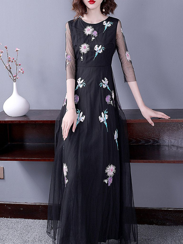 Party Embroidery O-Neck 3/4 Sleeve Maxi Dress