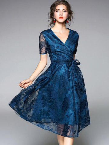 Simple Lace Sashes Slim Solid Color Skater Dress