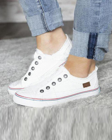 Decorative Eyelets Contrast Flat Sneakers