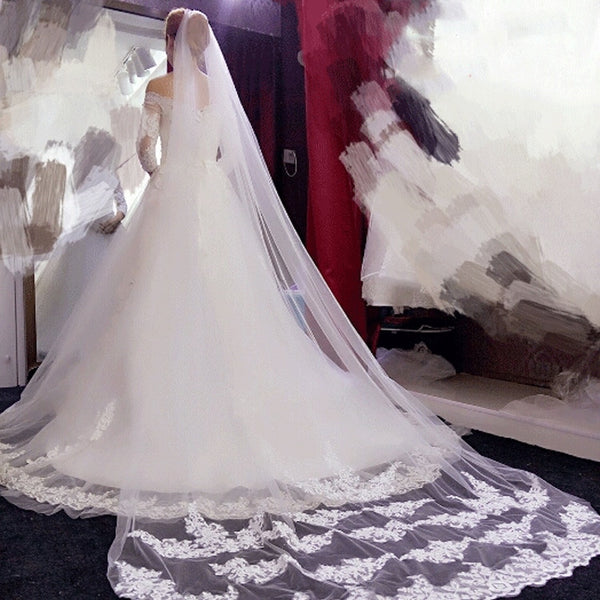 Elegant 3/ 5 Meters Long Soft Tulle White/Ivory Wedding Veils