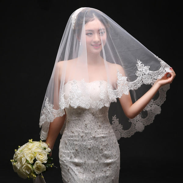 One Layer 1.5*1.5M Length Lace Edge Bridal Veil Without Comb