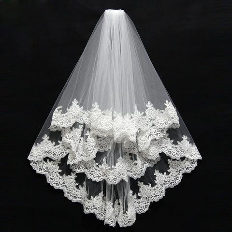Short With Comb Lace Appliqued Edge Two Layer Tulle Bridal Veil