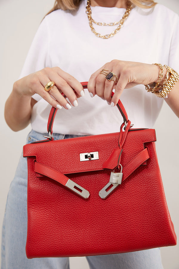 sellier knightsbridge rouge vif red hermes kelly 28 25 togo ghw phw outfit