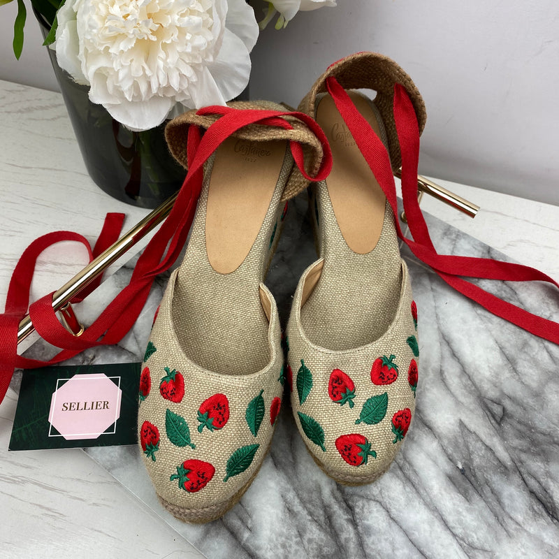 Castaner Woven Strawberry Wedges Size 40