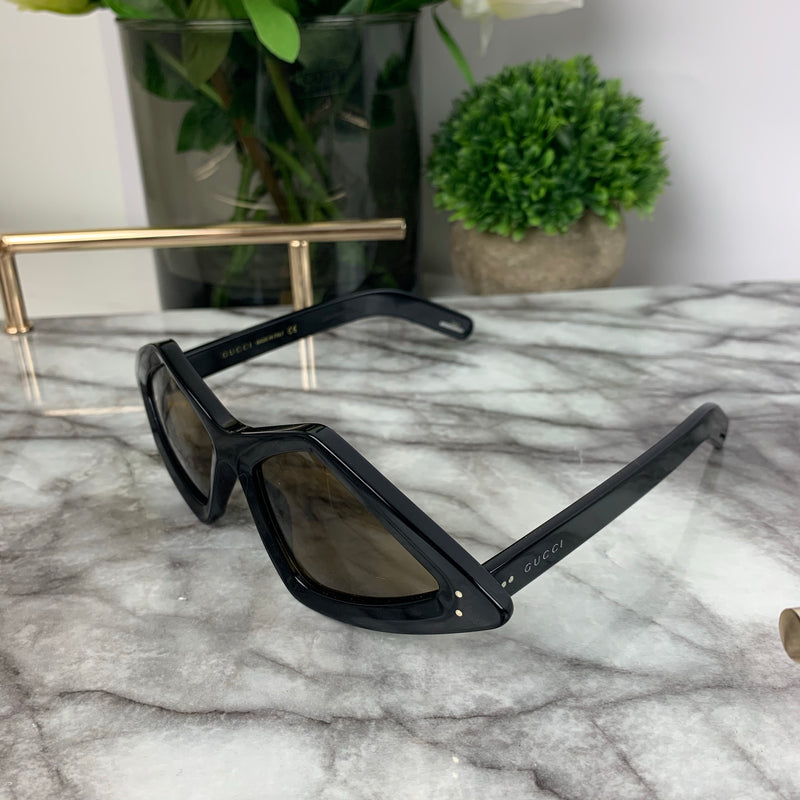 Gucci Diamond Shape Frame Sunglasses in Black