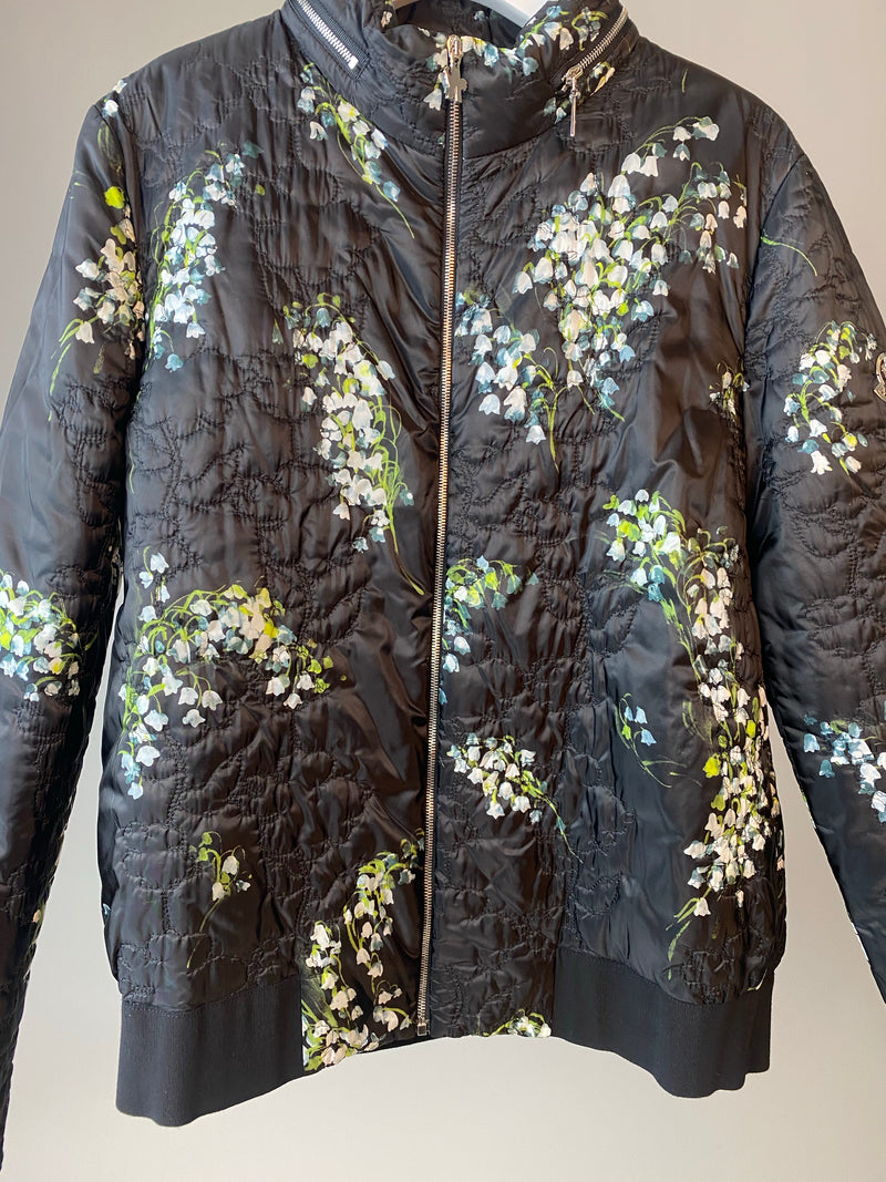 Moncler Black Floral Puffer Jacket with Discrete Hood Size 46 (3)